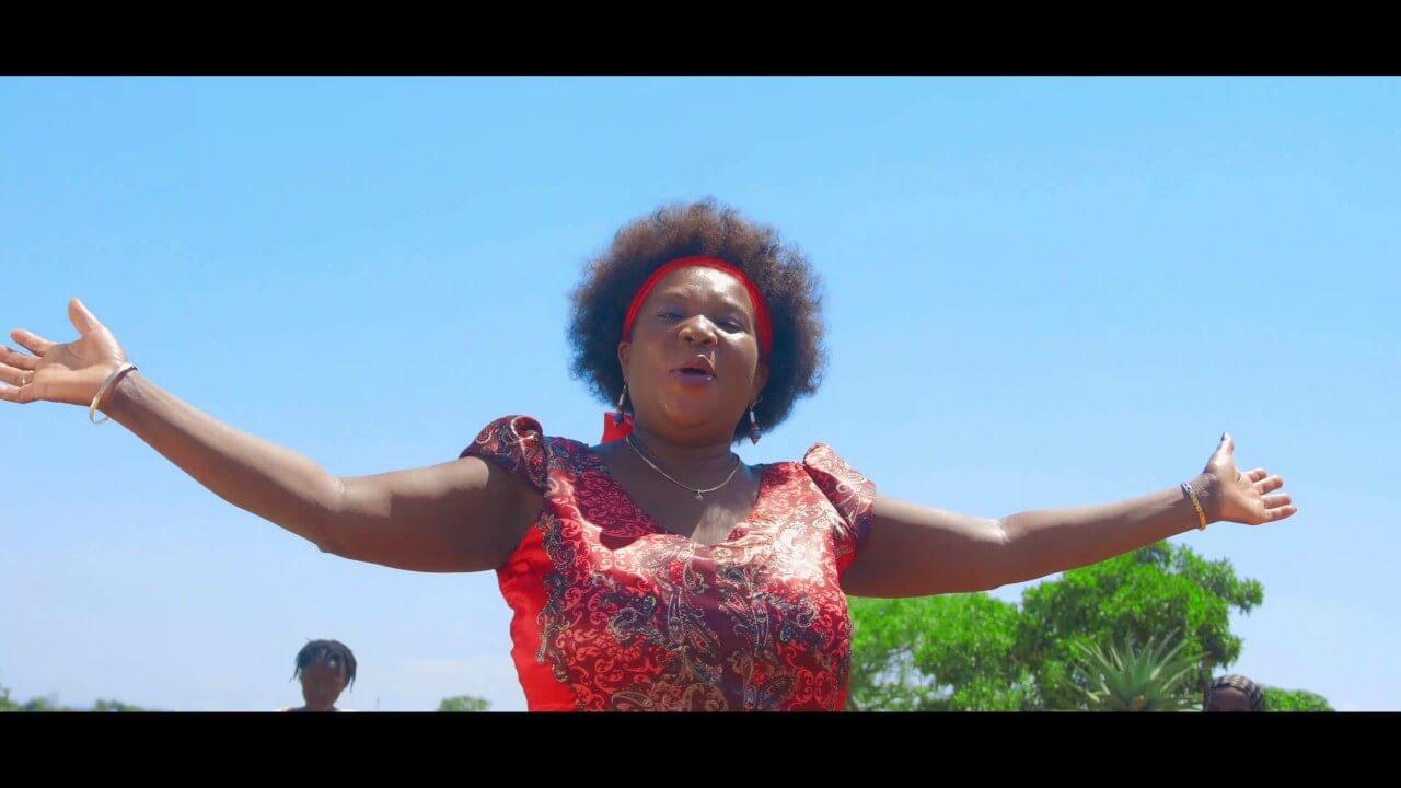Deus Deu a Todos – Rosalia Mboa